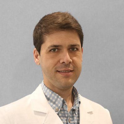 Sergio Hernández - Dermatólogo